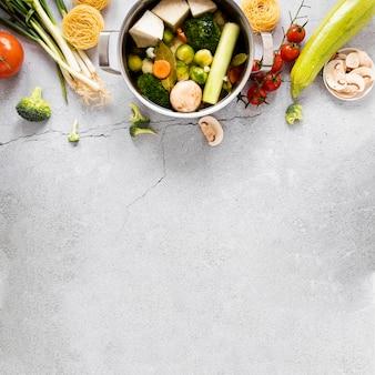 Ingredientes da sopa de legumes e espaço para texto