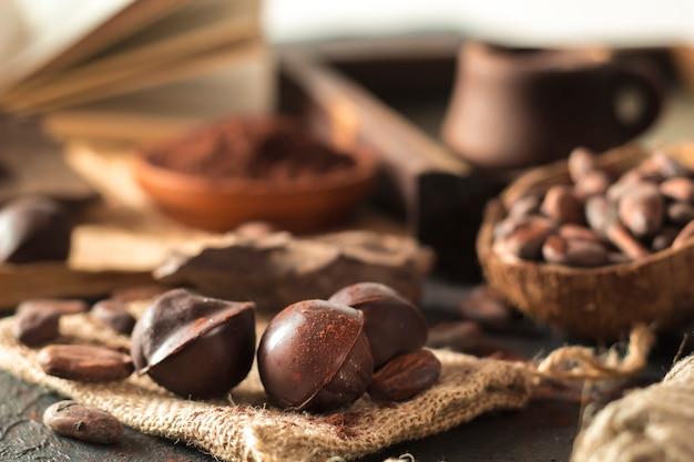 Ingredientes de chocolates, cacau, cacau em pó.