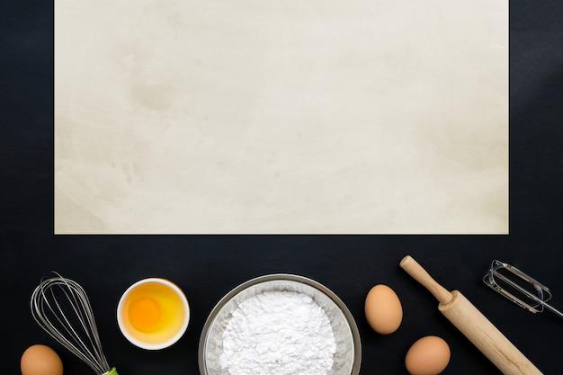 Ingredientes de cozimento de cozimento em preto.