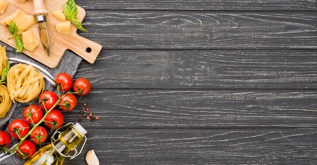 Ingredientes do espaço da cópia para macarrão