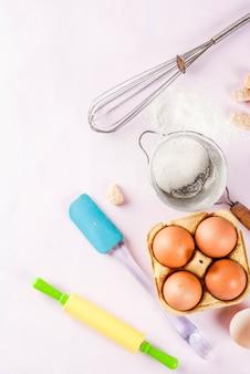 Ingredientes e utensílios para cozinhar assar