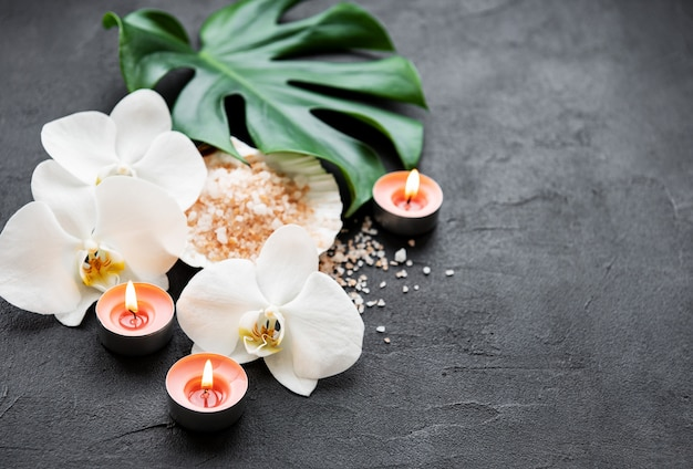 Ingredientes naturais spa com flores da orquídea