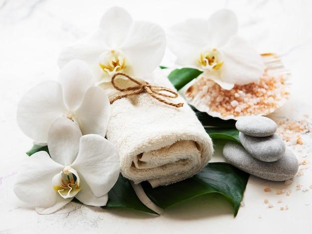 Ingredientes naturais spa com flores da orquídea