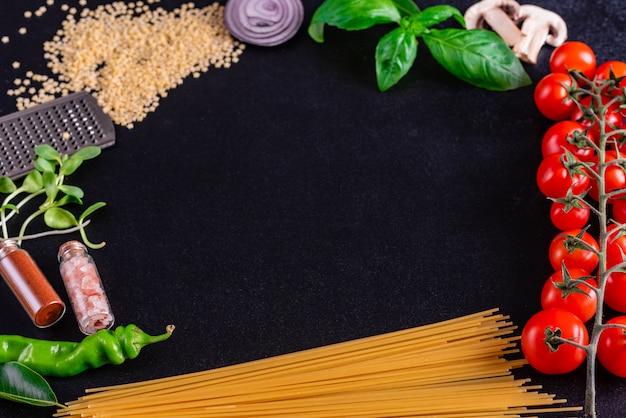 Ingredientes orgânicos frescos de receitas italianas
