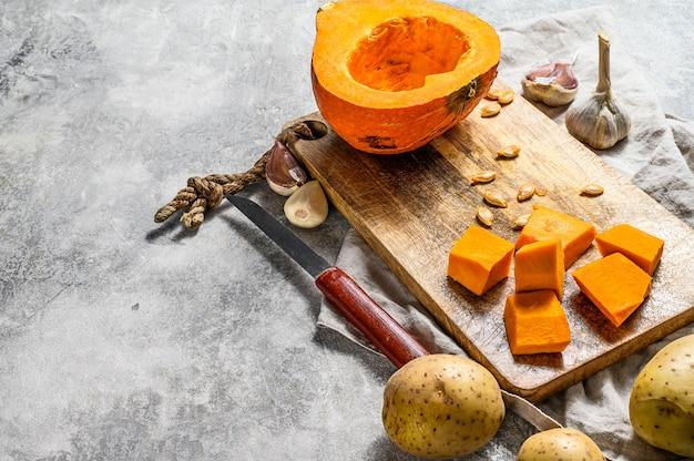 Ingredientes para a sopa de abóbora.