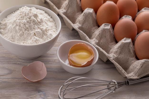 Ingredientes para assar. conceito de padaria