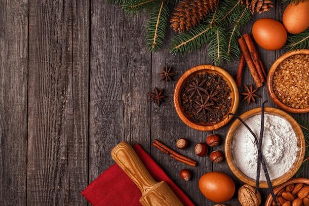 Ingredientes para cozinhar bolos de natal