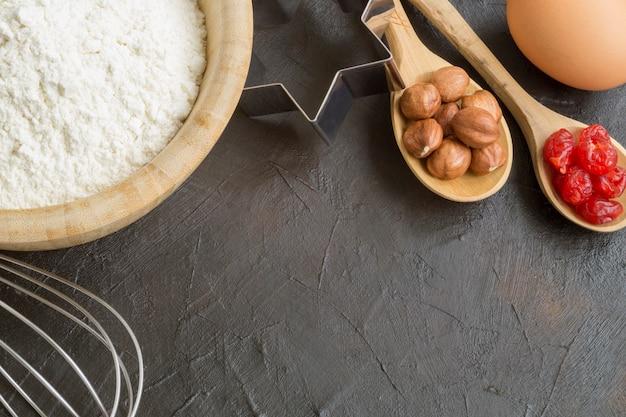 Ingredientes para fazer biscoitos caseiros de natal