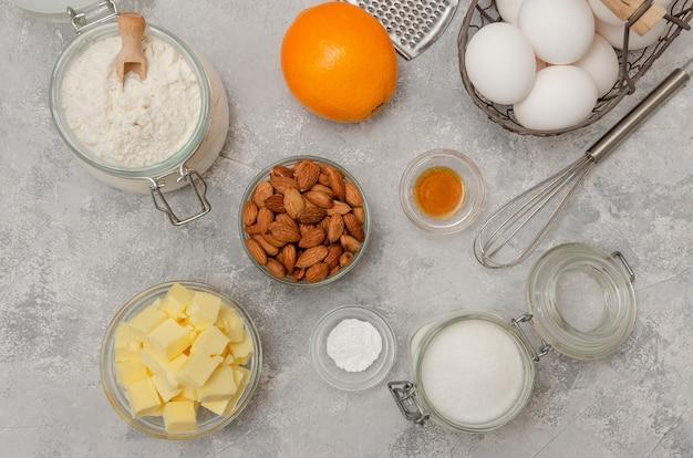 Ingredientes para fazer biscoitos de cantucini italianos tradicionais. receita passo a passo
