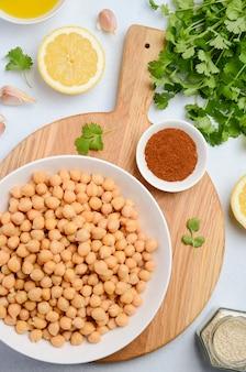 Ingredientes para fazer hummus