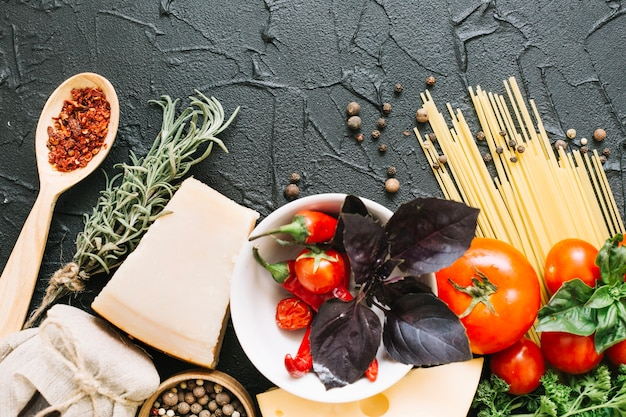 Ingredientes para macarrão