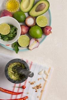 Ingredientes para molho mexicano guacamole fundo de culinária