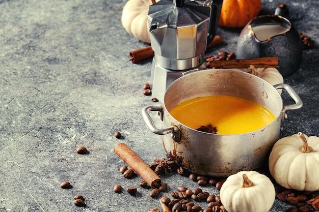 Ingredientes para o café com leite de abóbora
