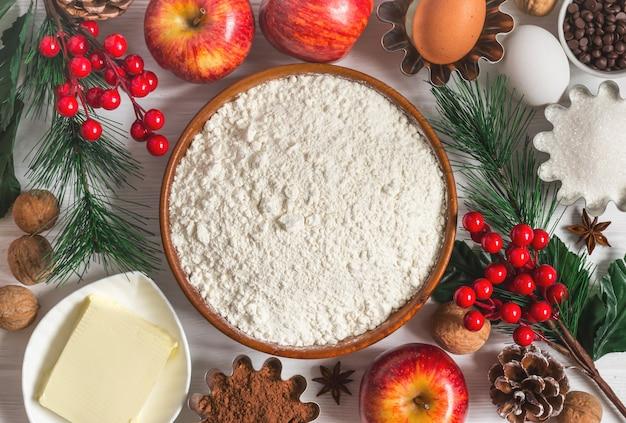 Ingredientes para o cozimento do ano novo de inverno. fundo de comida de natal.