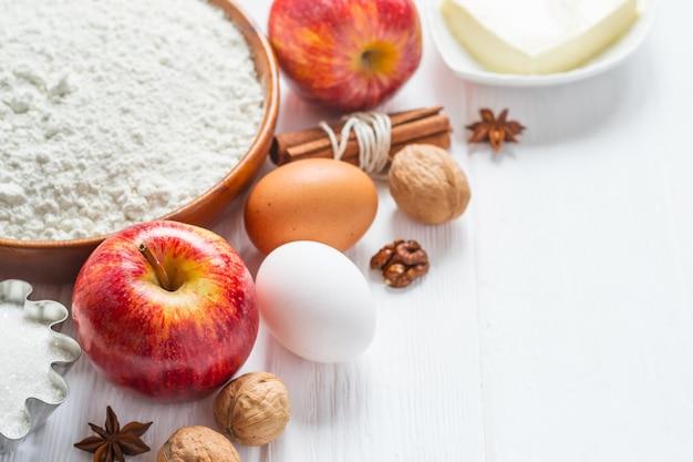 Ingredientes para panificação. seleção para torta de maçã ou bolos, foco seletivo.