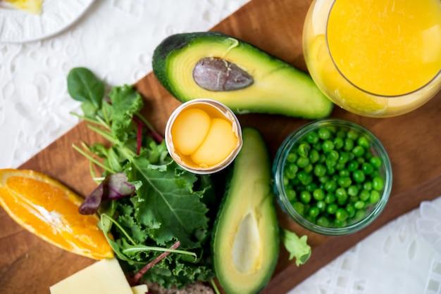 Ingredientes para pequeno-almoço saudável