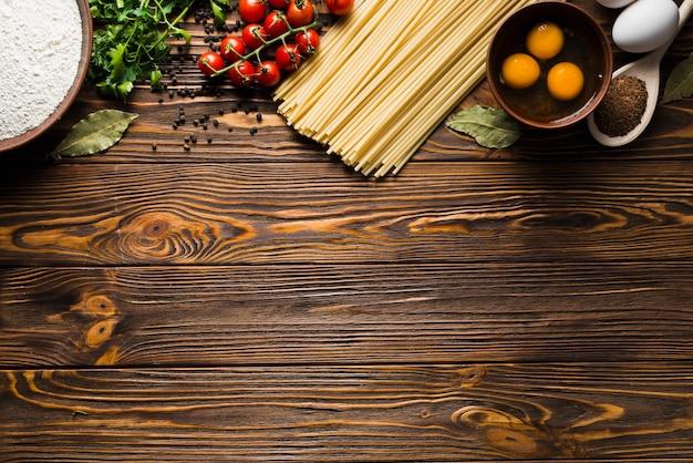 Ingredientes para preparação de macarrão