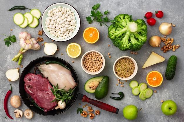 Ingredientes saudáveis com uma vista superior de dieta alimentar conjunto de alimentos de dieta diferente