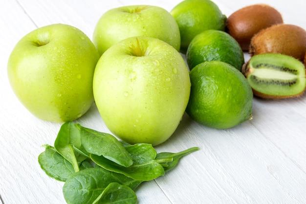 Ingredientes verdes para smoothie