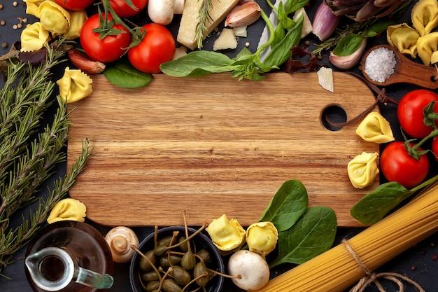 Ingridients orgânicos frescos de receitas italianas