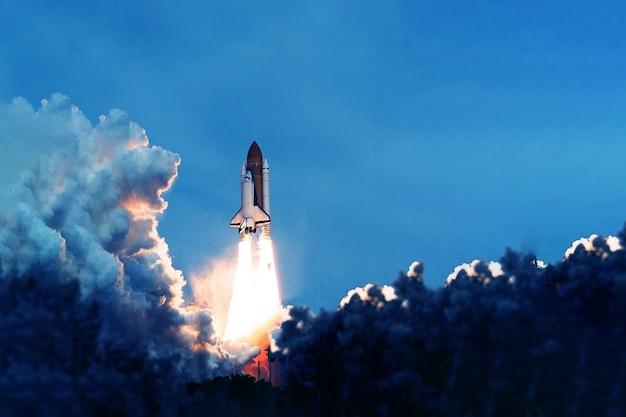 Início do ônibus espacial da plataforma os elementos desta imagem foram fornecidos pela nasa