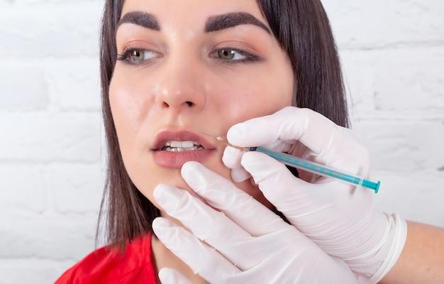 Injeções de procedimentos cosméticos