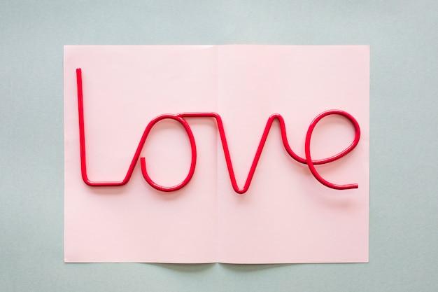Inscrição de amor em papel leve