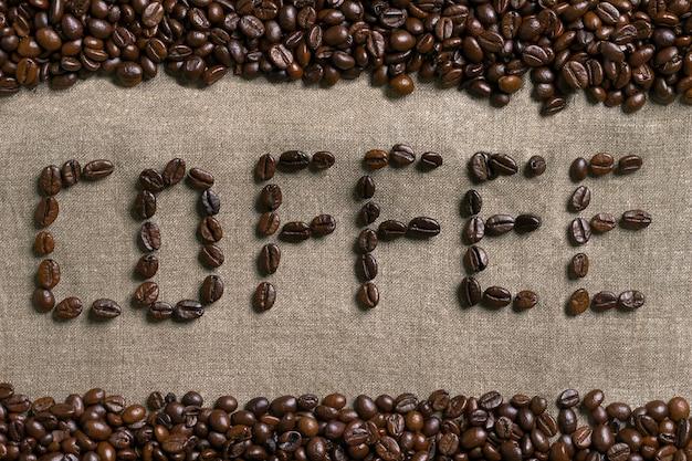 Inscrição de café com grãos de café
