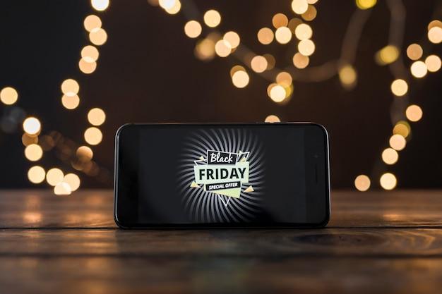 Inscrição de sexta-feira negra na tela do smartphone
