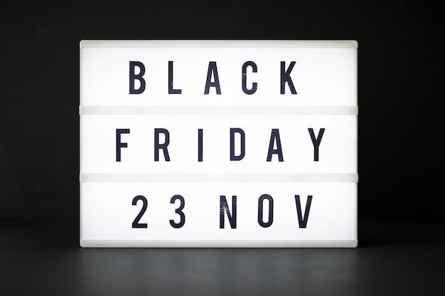 Inscrição de sexta-feira negra no quadro de luz