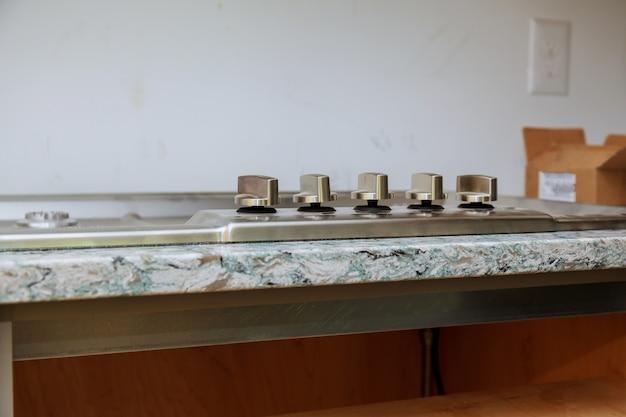 Instalação de reparação de gás de gás novo fogão a gás casa close-up