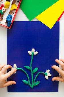 Instruções passo a passo para artesanato infantil feito de plasticina