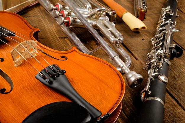 Instrumento em madeira