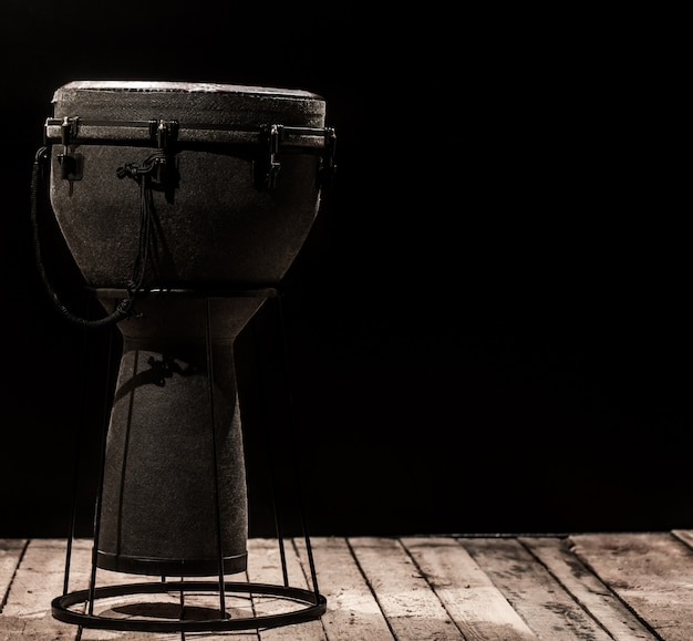 Instrumento musical de percussão tambor bongo