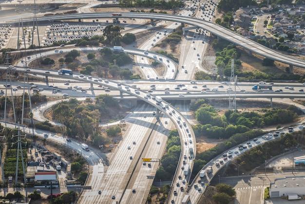Intercâmbio, loops e rodovias
