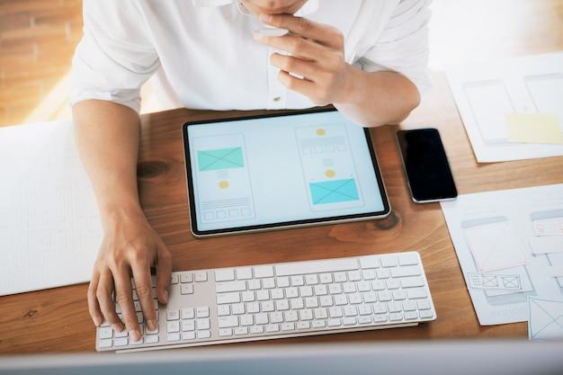 Interface do usuário e conceito de tecnologia de experiência do usuário.