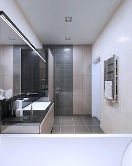 Interior claro do banheiro