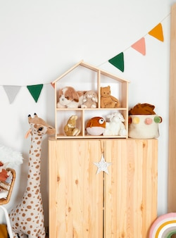 Interior da decoração do quarto infantil com brinquedos