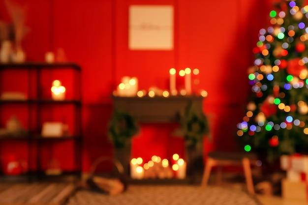 Interior da sala decorada para o natal, vista desfocada