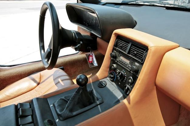 Interior de carro antigo vintage