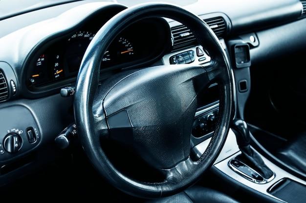 Interior de carro moderno