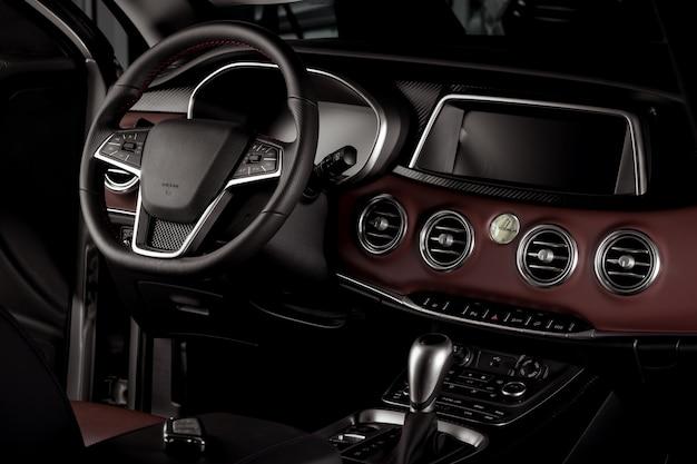 Interior de carro novo, caixa de velocidades automática