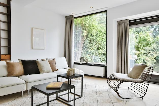 Interior de luxo e bela sala de estar