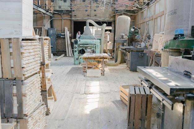 Interior de marcenaria de carpintaria