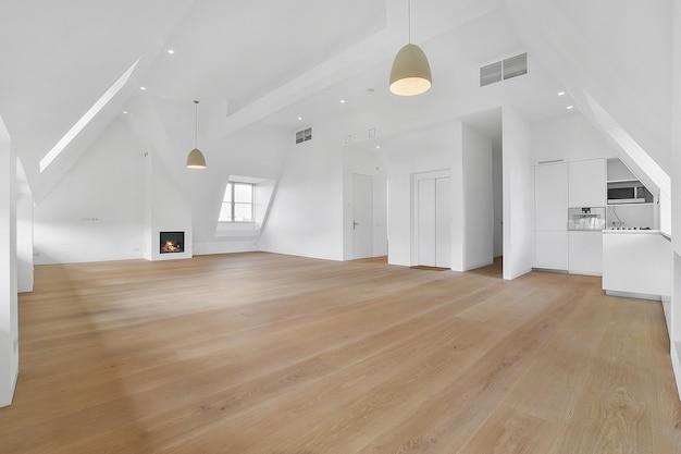 Interior de quarto espaçoso em casa de luxo