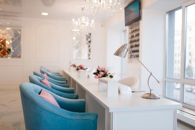 Interior de salão de beleza, serviço profissional de manicure e pedicure