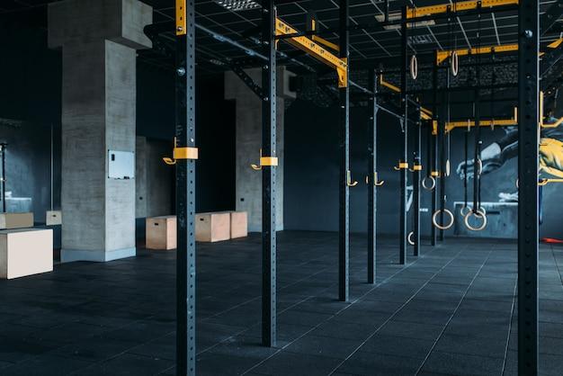 Interior do clube de fitness. ginásio ninguém