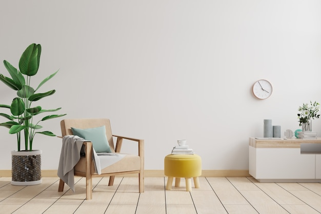 Interior minimalista da sala de estar com poltrona de design e mesa na parede branca
