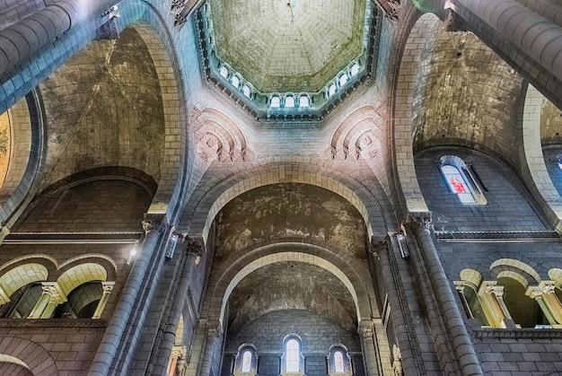 Interiores da catedral de nossa senhora imaculada