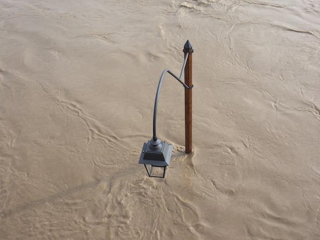 Inundação do rio po em torino